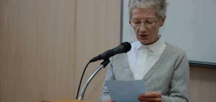 Митра Рељић захваљује на награди