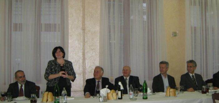 13 января 2012 г. За обедом: тост поднимает декан филологического факультета А. Вранеш